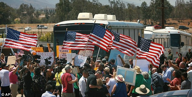 Patriots Block DHS Bus